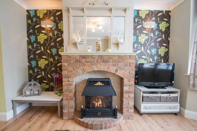 3 bed semi-detached for sale in Butchers Lane, Halesowen  - Property Image 3