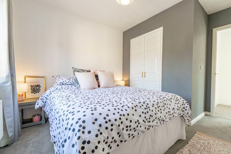 2 bed maisonette for sale in Railway Walk, Aston Fields, Bromsgrove  - Property Image 6