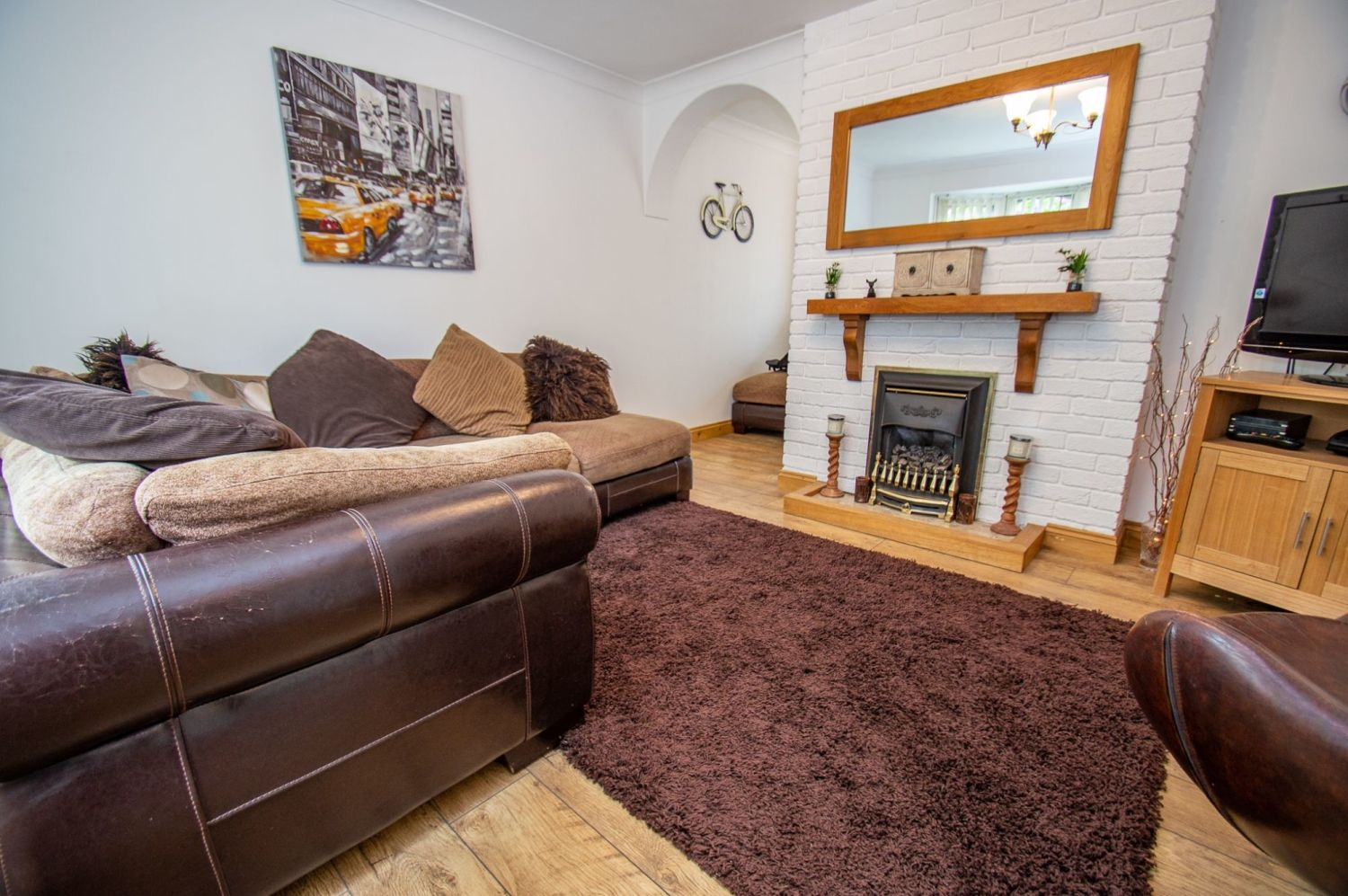 3 bed link-detached-house for sale in Nottingham Way, Brierley Hill 2