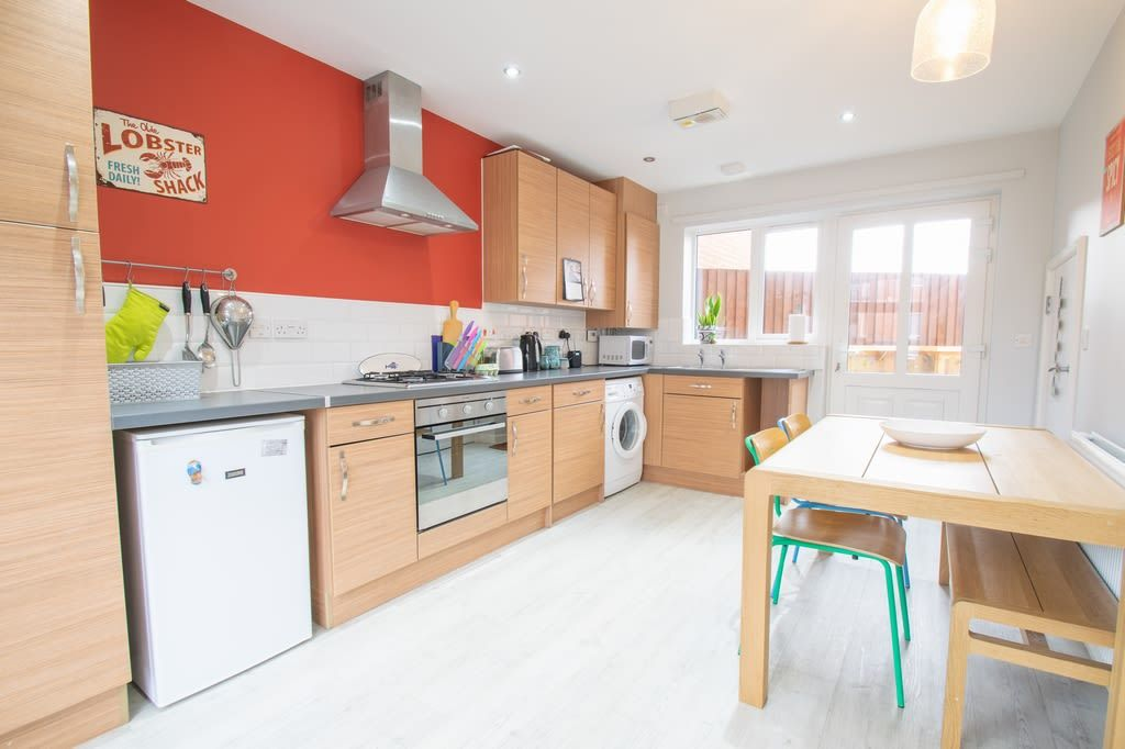 2 bed semi-detached for sale in Blakeney Drive, Bromsgrove  - Property Image 5