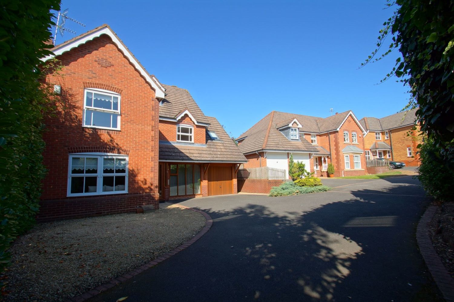 4 bed detached for sale in Acre Lane, Webheath  - Property Image 2