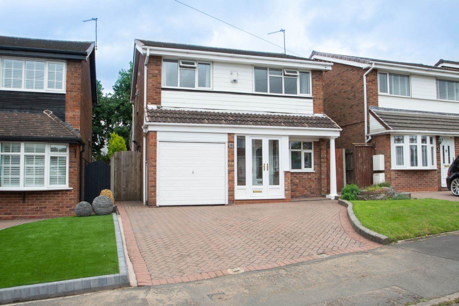 3 bed detached for sale in Clyde Avenue, Halesowen 1
