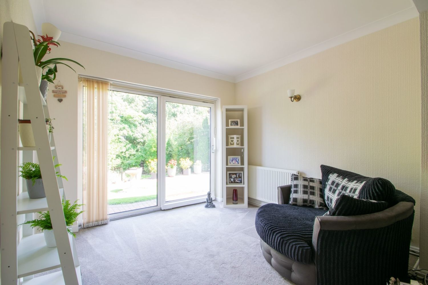 3 bed semi-detached for sale in High Haden Crescent, Cradley Heath  - Property Image 4
