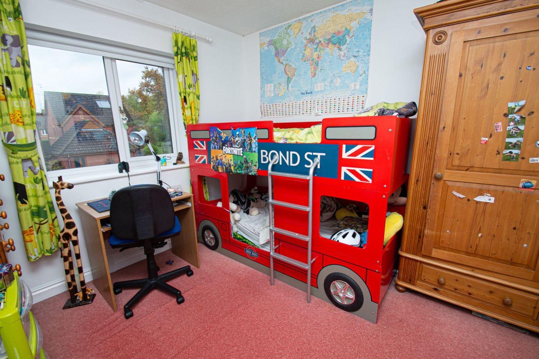 4 bed detached for sale in Harlech Close, Warndon Villages  - Property Image 11