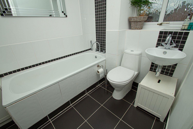 4 bed detached for sale in Harlech Close, Warndon Villages  - Property Image 14