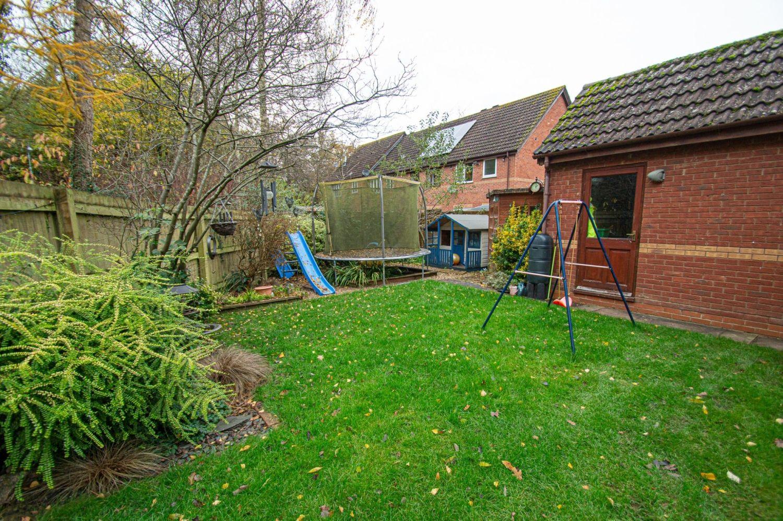 4 bed detached for sale in Harlech Close, Warndon Villages  - Property Image 15