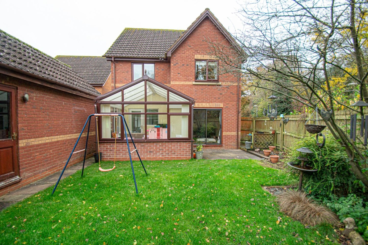 4 bed detached for sale in Harlech Close, Warndon Villages 16
