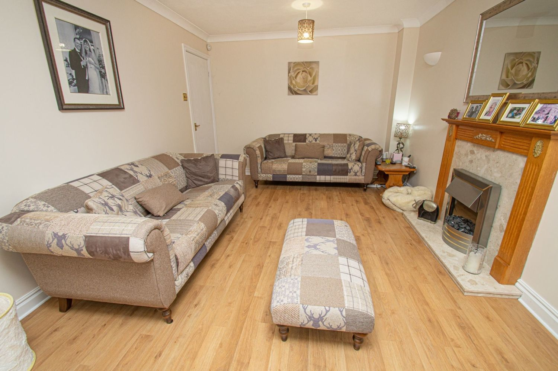 4 bed detached for sale in Harlech Close, Warndon Villages 2