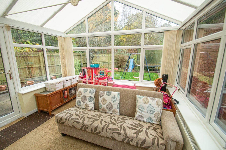 4 bed detached for sale in Harlech Close, Warndon Villages 4