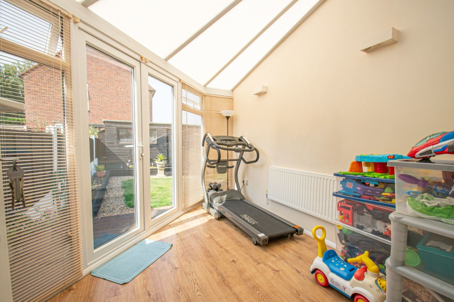 4 bed semi-detached for sale in Oak Street, Kingswinford 5