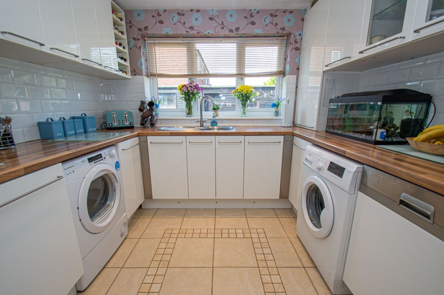 4 bed semi-detached for sale in Oak Street, Kingswinford  - Property Image 7