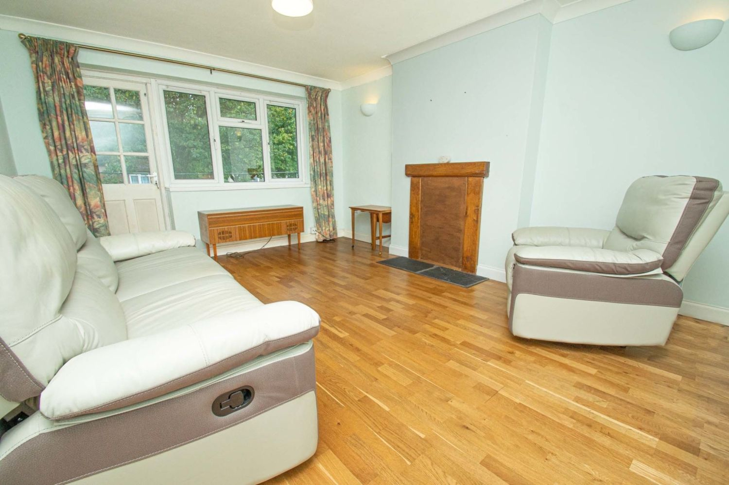 2 bed flat for sale in Malvern Avenue, Stourbridge 2