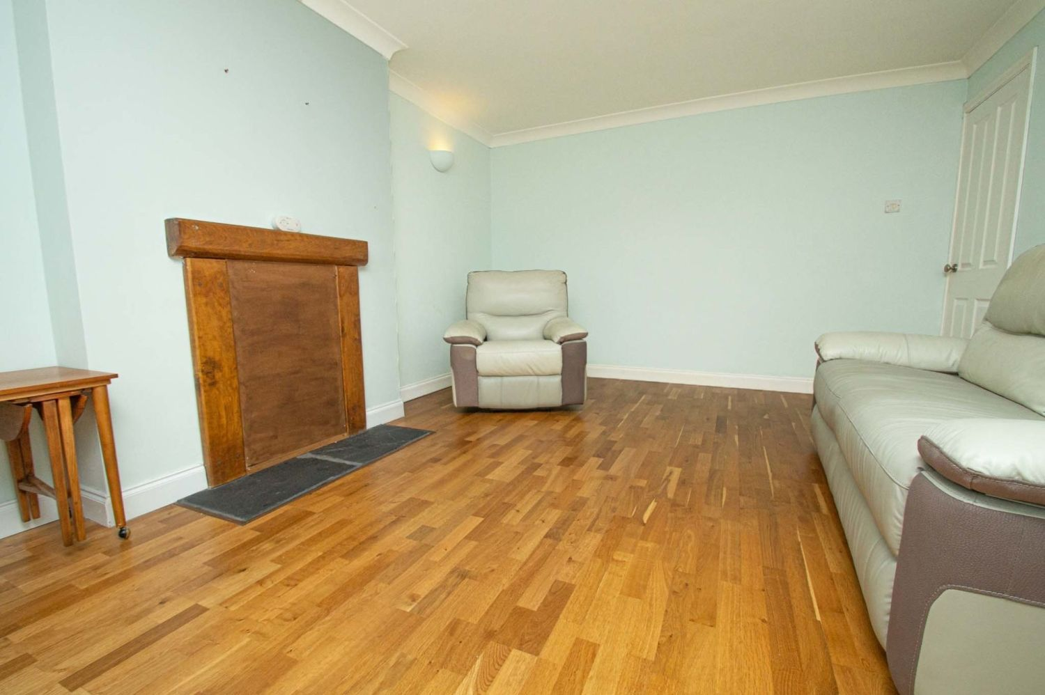 2 bed flat for sale in Malvern Avenue, Stourbridge  - Property Image 3