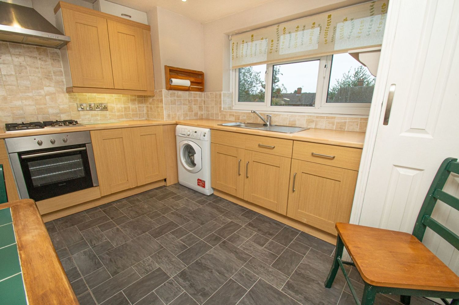 2 bed flat for sale in Malvern Avenue, Stourbridge 5