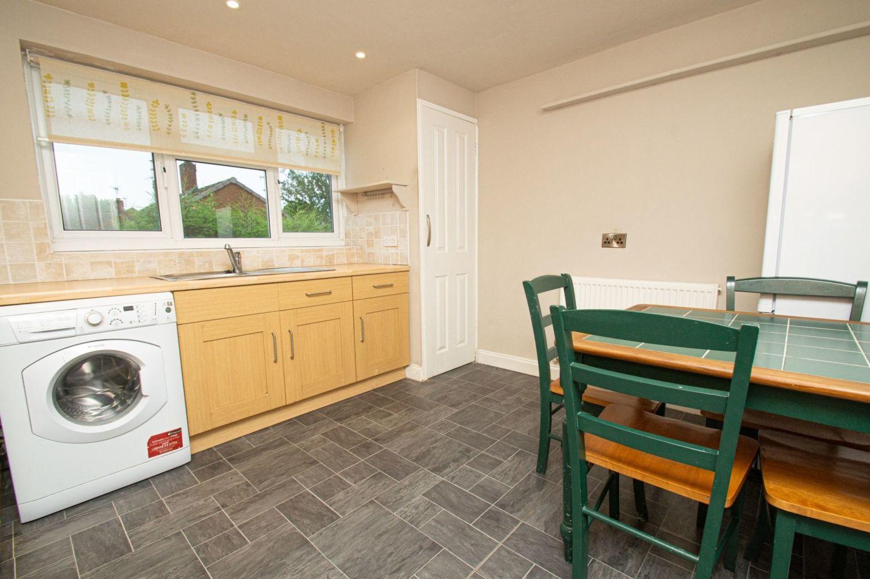 2 bed flat for sale in Malvern Avenue, Stourbridge  - Property Image 6