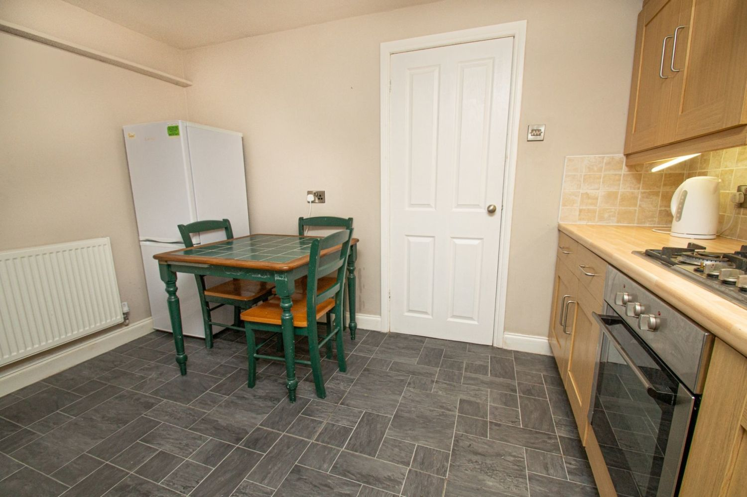 2 bed flat for sale in Malvern Avenue, Stourbridge  - Property Image 7