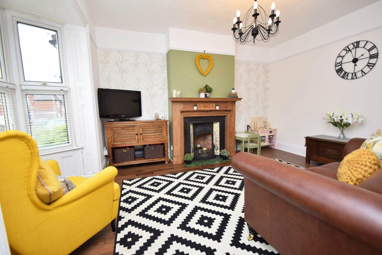 3 bed terraced for sale in Laurel Lane, Halesowen  - Property Image 2