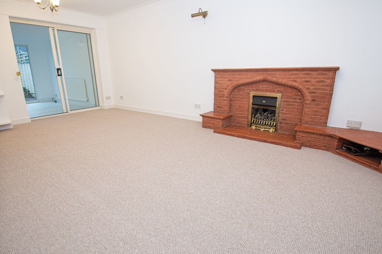 3 bed semi-detached for sale in Cheswick Close, Winyates Green  - Property Image 2