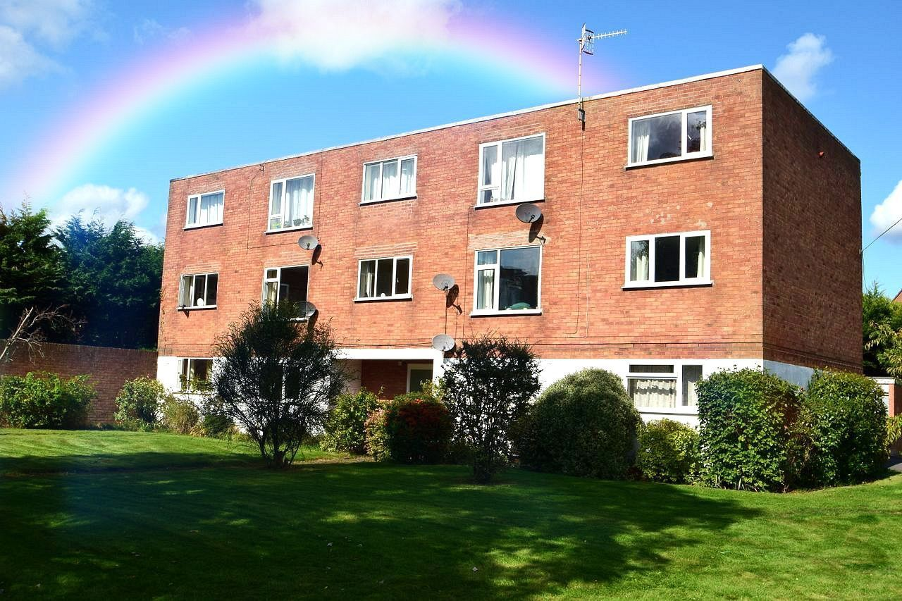 2 bed flat for sale in Farleigh Road, Pershore  - Property Image 1