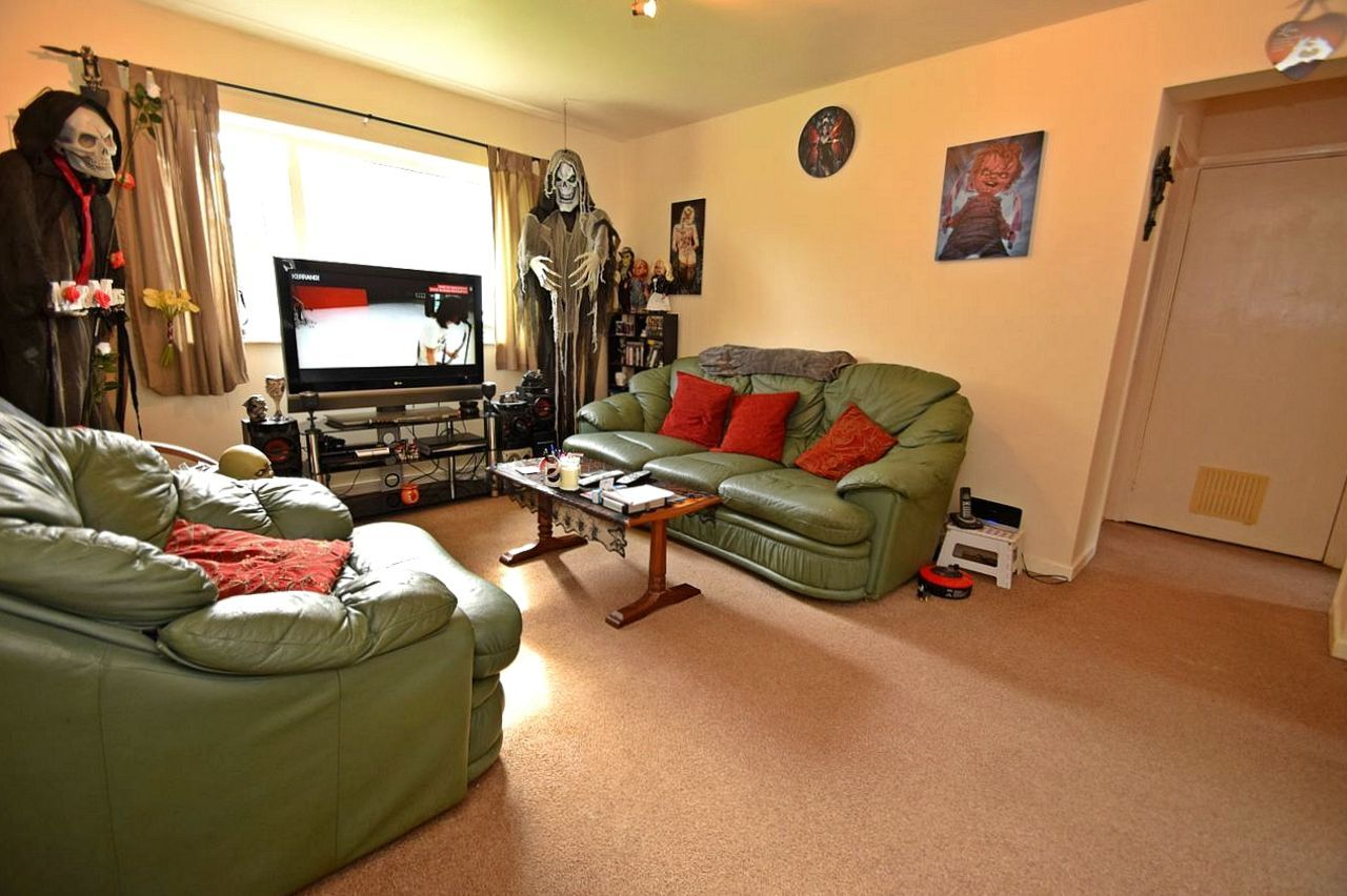 2 bed flat for sale in Farleigh Road, Pershore  - Property Image 2