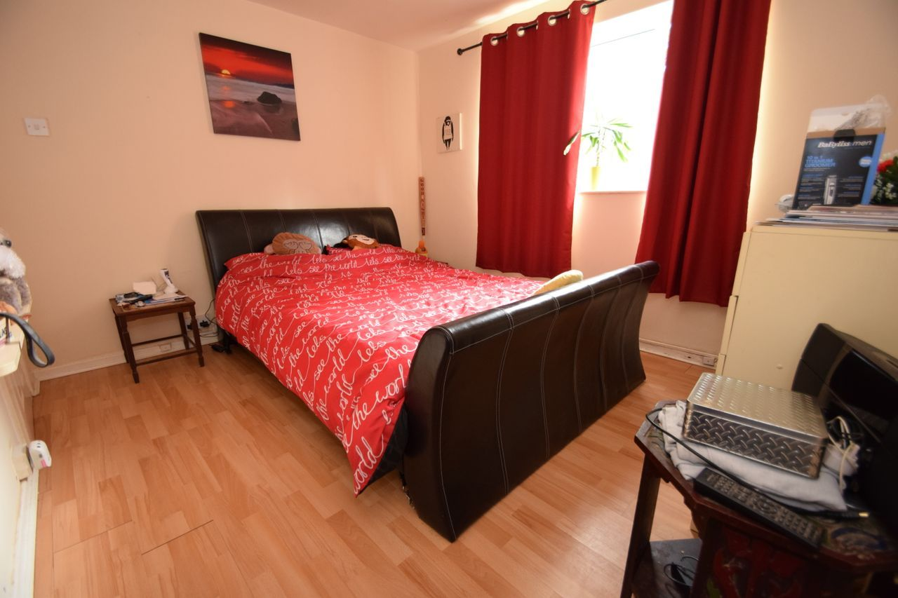 2 bed flat for sale in Farleigh Road, Pershore 4