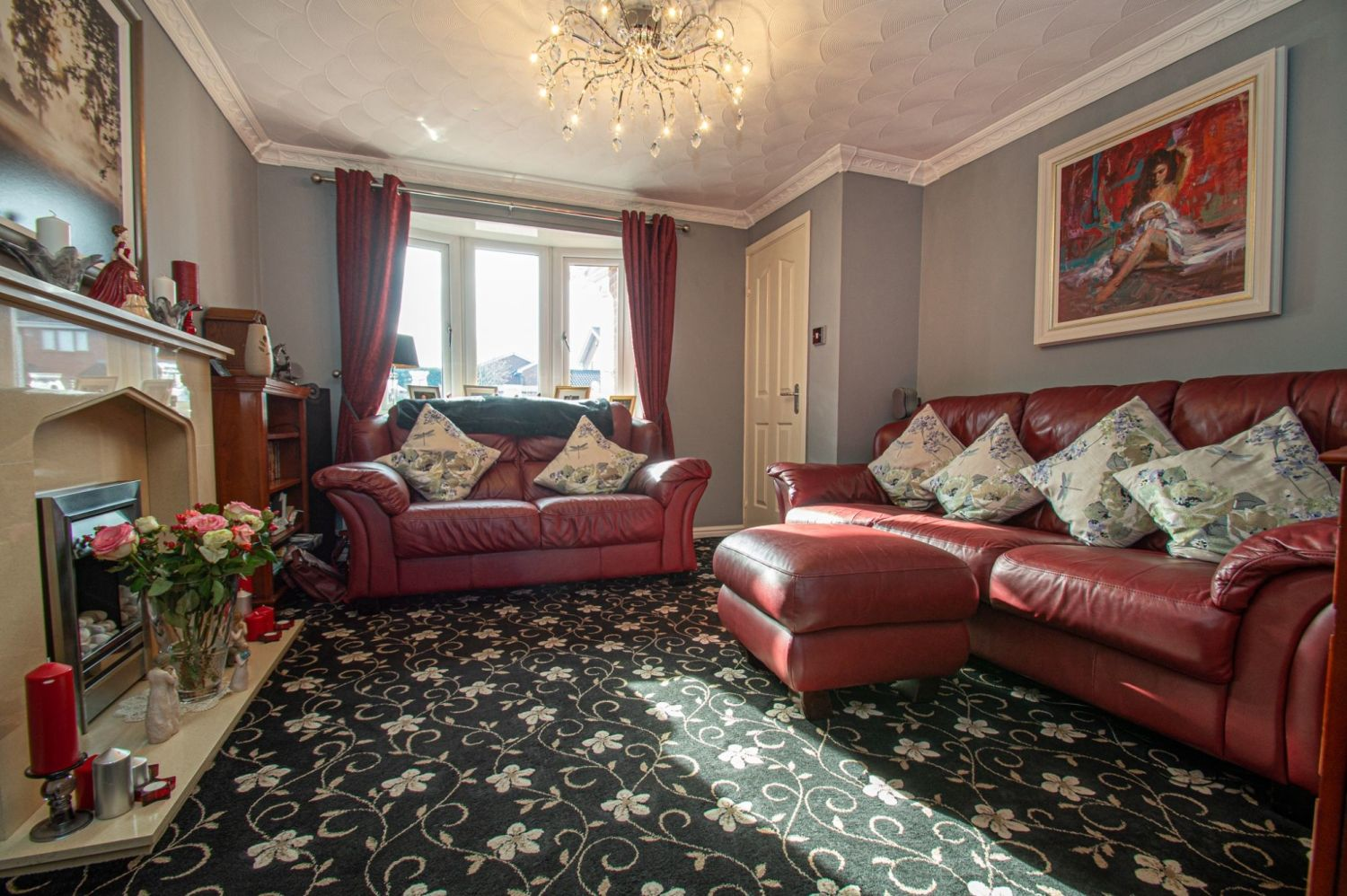 3 bed detached for sale in Broomehill Close, Brierley Hill  - Property Image 2