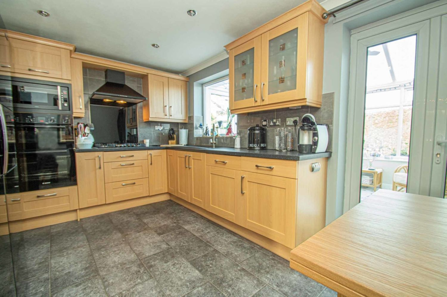 3 bed detached for sale in Broomehill Close, Brierley Hill 4