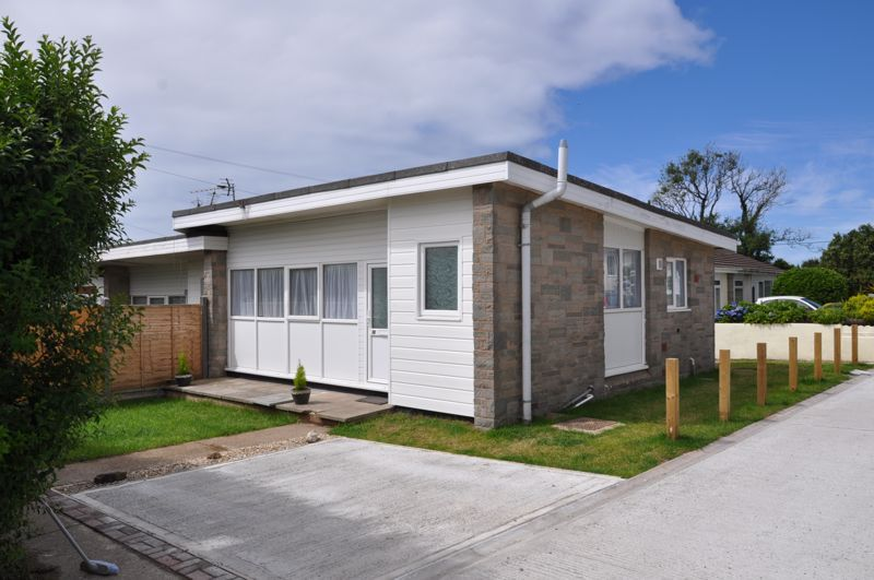2 bed bungalow for sale in Woolacombe Station Road  - Property Image 1