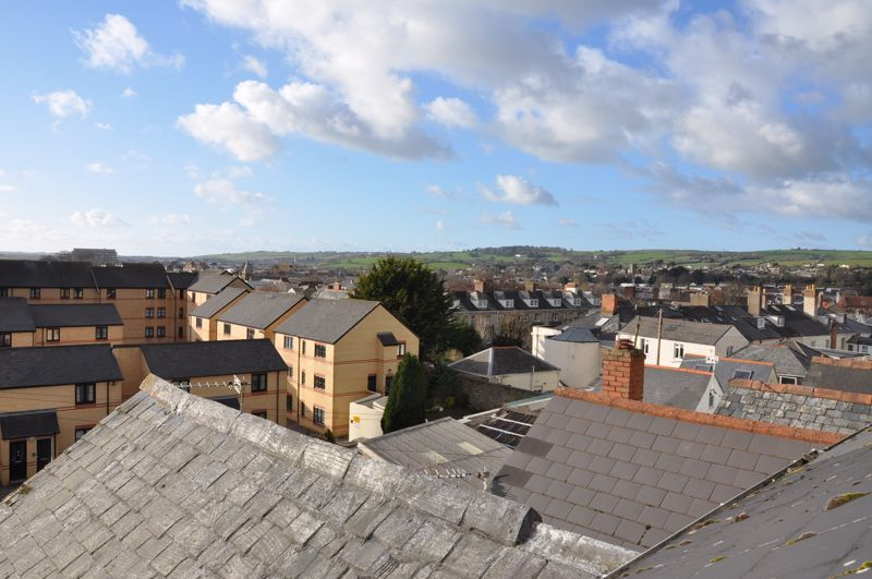 5 bed house for sale in Hills View  - Property Image 16
