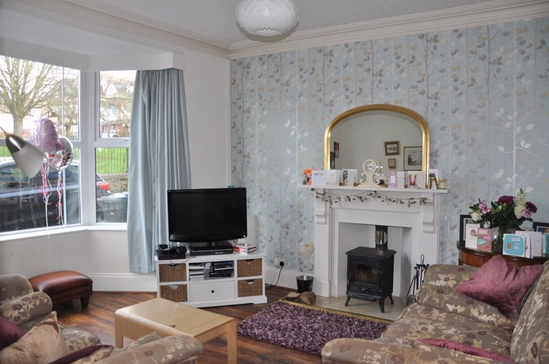 5 bed house for sale in Hills View  - Property Image 5