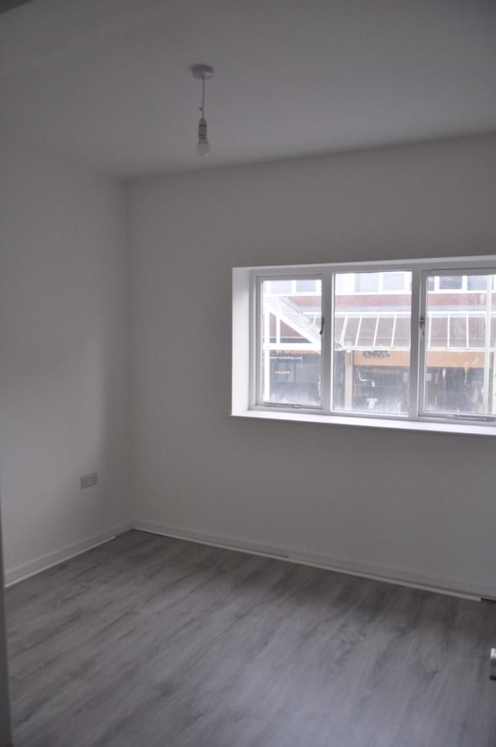 1 bed flat to rent in Queen Street 4
