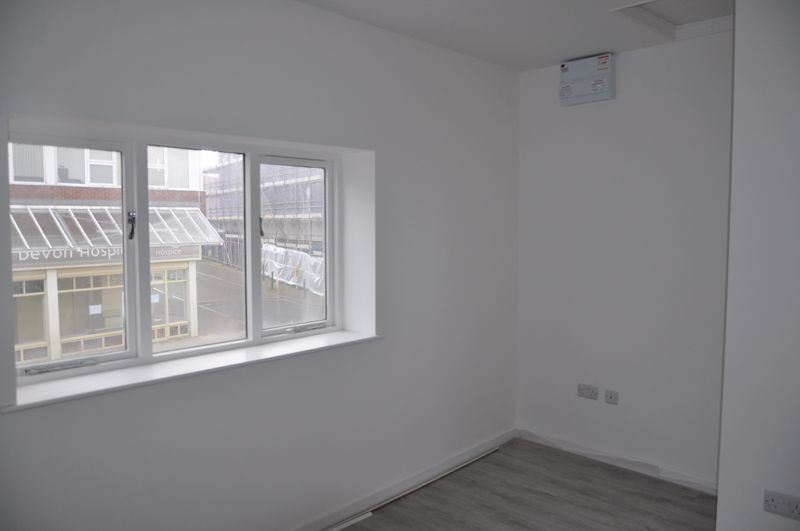 1 bed flat to rent in Queen Street 6