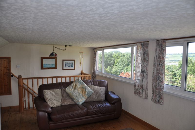 3 bed bungalow for sale in Lynhurst Avenue 4