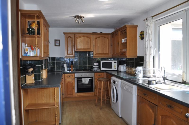 3 bed bungalow for sale in Lynhurst Avenue 10