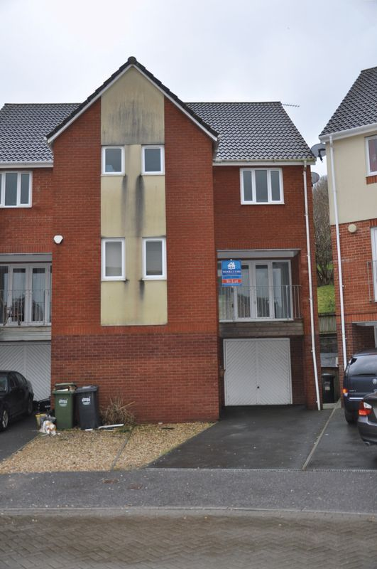 4 bed house for sale in Silverwood Heights, EX32