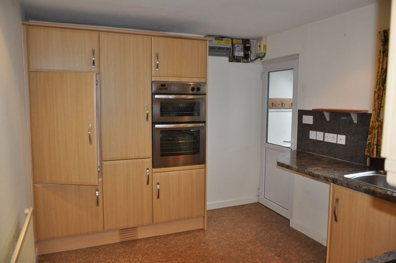 2 bed bungalow to rent in Church Close 6