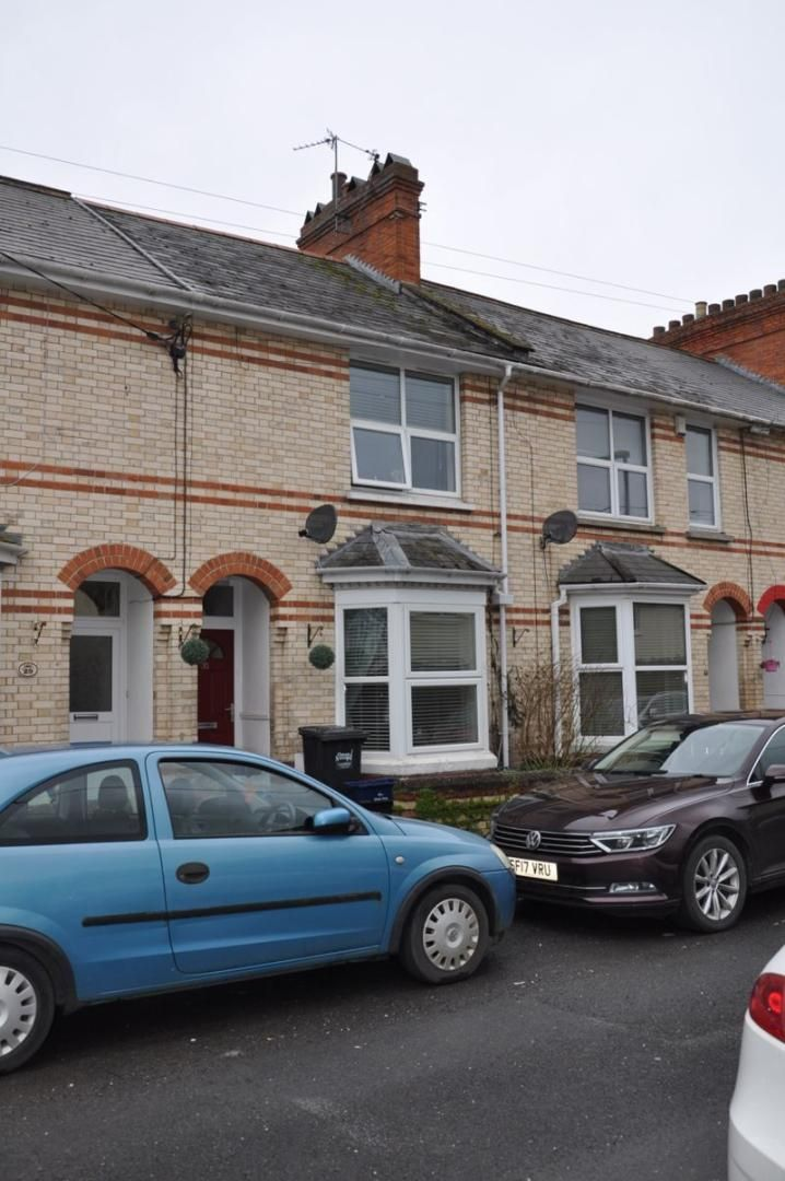 4 bed house for sale in Gloster Road, EX32