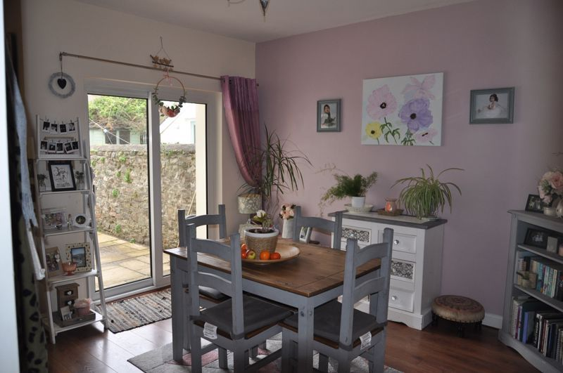 4 bed house for sale in Gloster Road 11