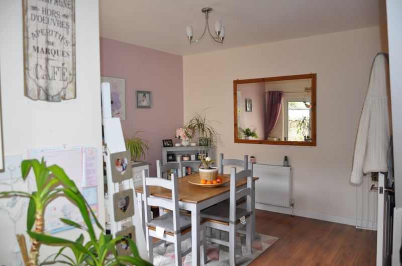 4 bed house for sale in Gloster Road  - Property Image 12