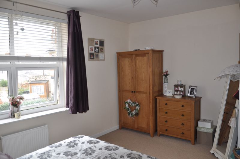4 bed house for sale in Gloster Road  - Property Image 8