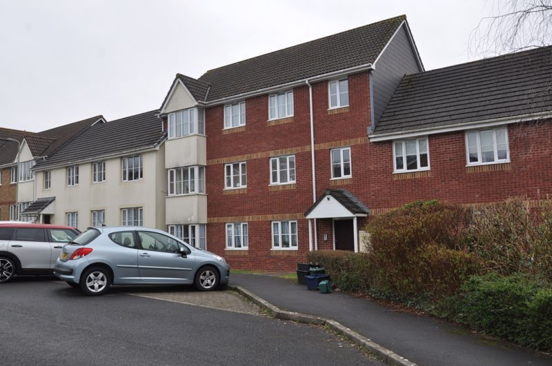 2 bed flat for sale in Westacott Meadow  - Property Image 1