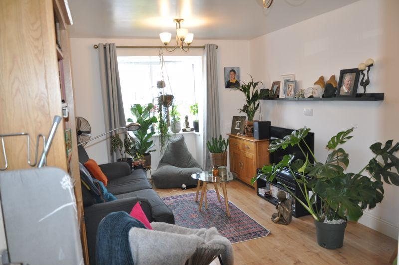2 bed flat for sale in Westacott Meadow  - Property Image 2