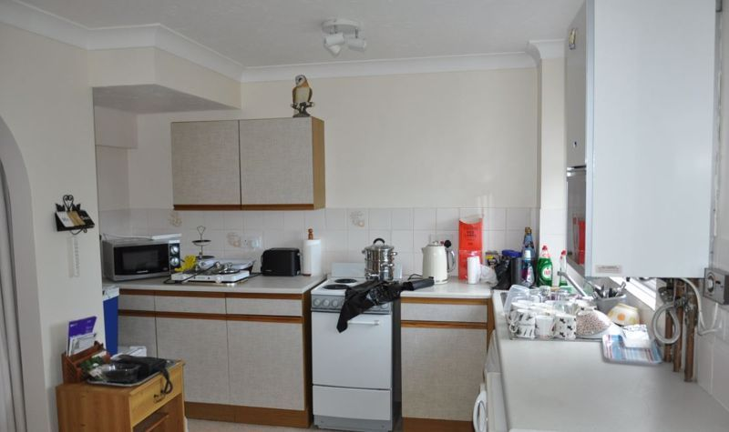 2 bed house for sale in Meadow Park 6