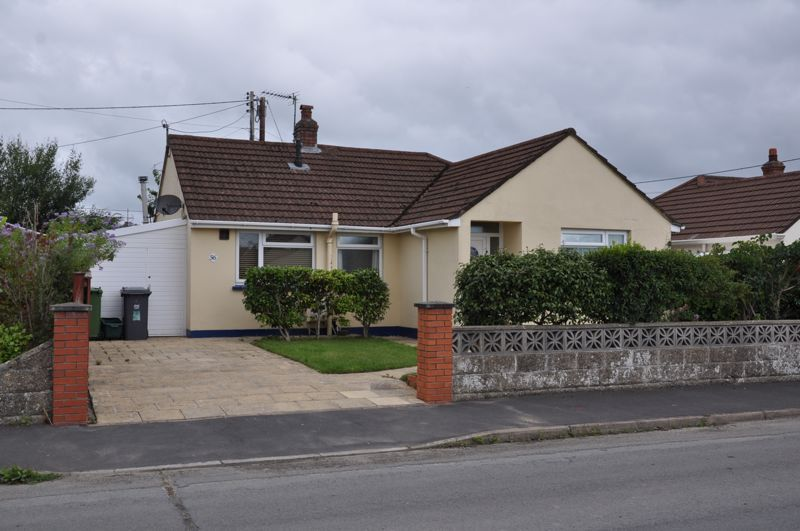 3 bed bungalow for sale in Oakland Park South, EX31