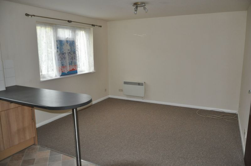 1 bed flat to rent in Hollowtree Court 4