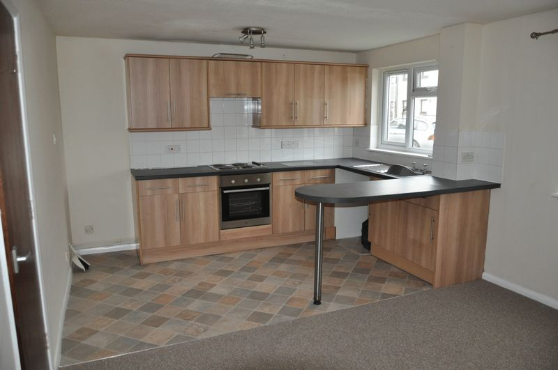 1 bed flat to rent in Hollowtree Court 5