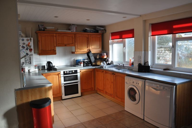 3 bed house to rent in Sunny Bank 2