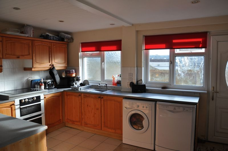 3 bed house to rent in Sunny Bank 3