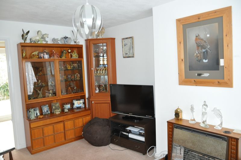 4 bed house for sale in Victoria Close 2