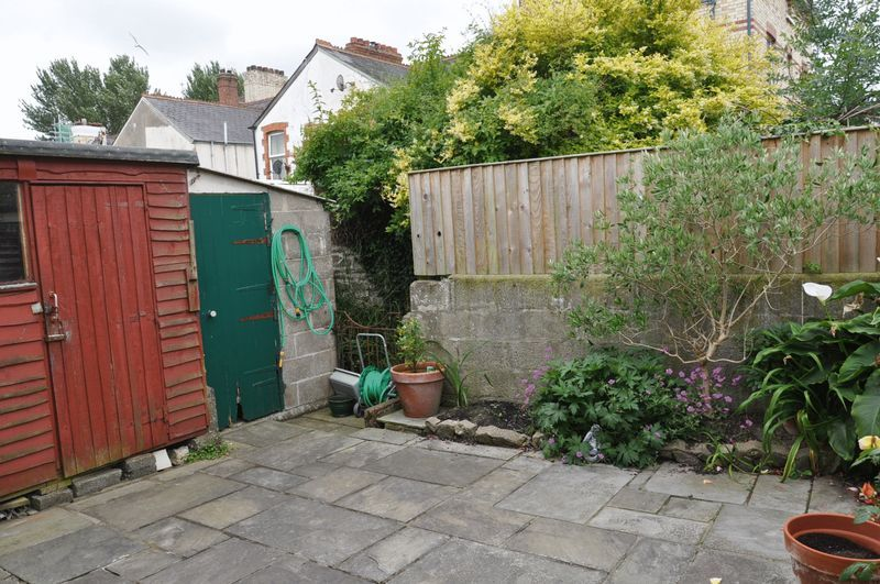 4 bed house for sale in Victoria Close  - Property Image 4